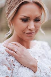 Bruden och hennes ringar
